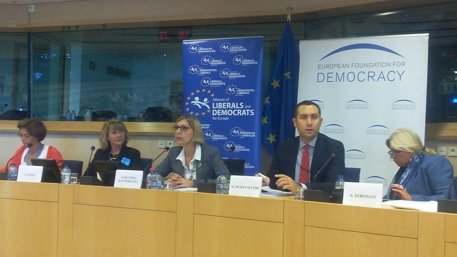 Beatriz Becerra en el Parlamento Europeo